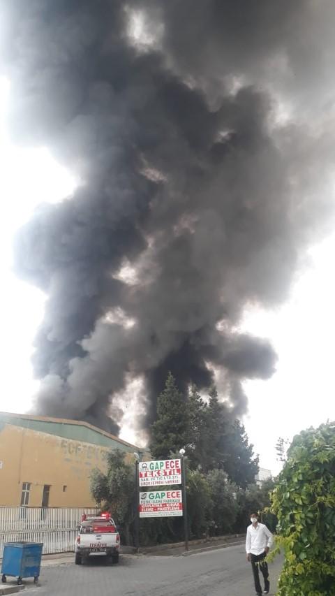 Şanlıurfa'da İplik fabrikasında yangın çıktı