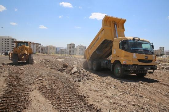 Doğukent'te yeni yollar kazandırılıyor (Videolu Haber)
