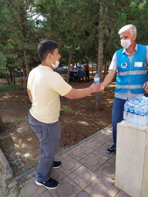 Eyyübiye belediyesinden sınava giren öğrencilere 25 bin şişe su ikramı