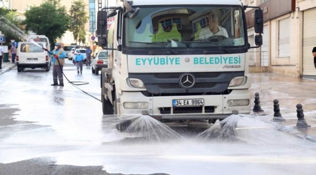 Eyyübiye'de temizlik çalışmaları devam ediyor (video)