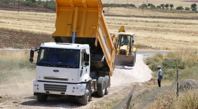 Haliliye'de köyler kaliteli yola kavuşuyor.
