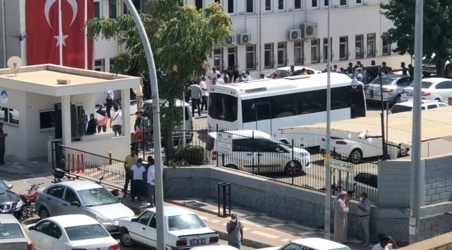 Ceylanpınar Belediyesinde çıkan olaylara polis müdahale etti (Video)