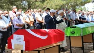 Şanlıurfa'da görev yapan polis memuru ve ailesi toprağa verildi (Video)