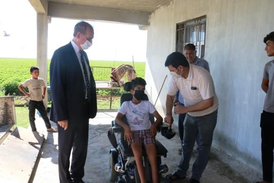 Engelli çocuğun akülü tekerlekli sandalye hayali gerçekleşti