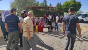 Tarım işçilerini taşıyan minibüs devrildi: 20 yaralı