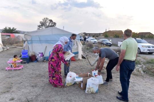 Ankara Büyükşehir Belediyesinden Şanlıurfa'lı mevsimlik işçilere hijyen desteği