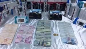 Çaldıkları altınları bozdurup dolara çevirmişler (Video)