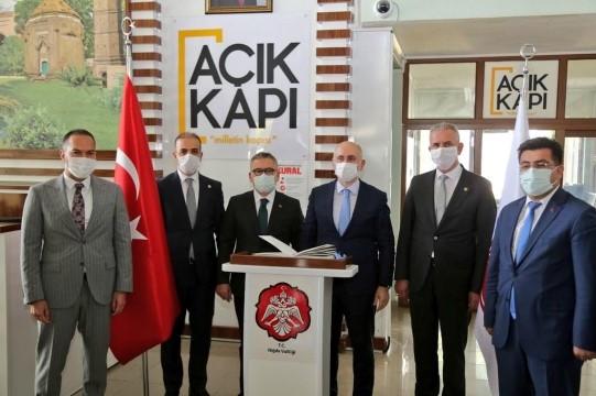 Karaismailoğlu Edirne'den Şanlıurfa'ya kadar 200 kilometrelik bir aks 29 Ekim'de tamamlanıyor