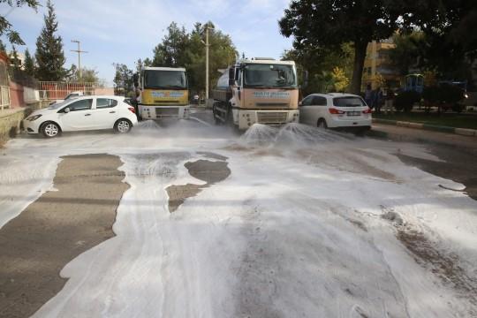 Hijyende taviz yok! Ekipler sokak sokak yıkamaya devam ediyor (Videolu Haber)