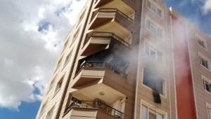 Prizden çıkan yangın evi kül ediyordu