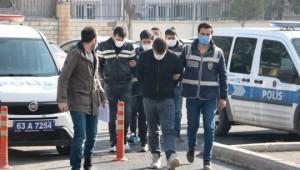 Şanlıurfa'da aranan 8 zanlı eş zamanlı operasyonla yakalandı