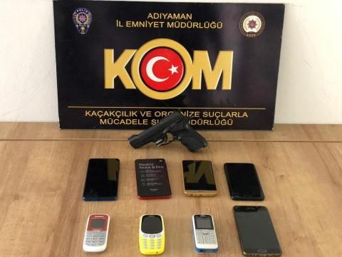 Adıyaman'da kaçak cep telefonu ele geçirildi