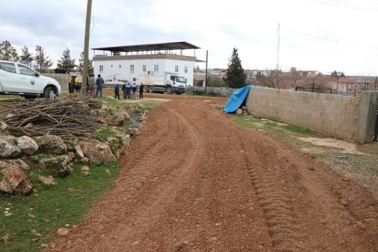 Bozova'da yol yapım çalışmaları devam ediyor