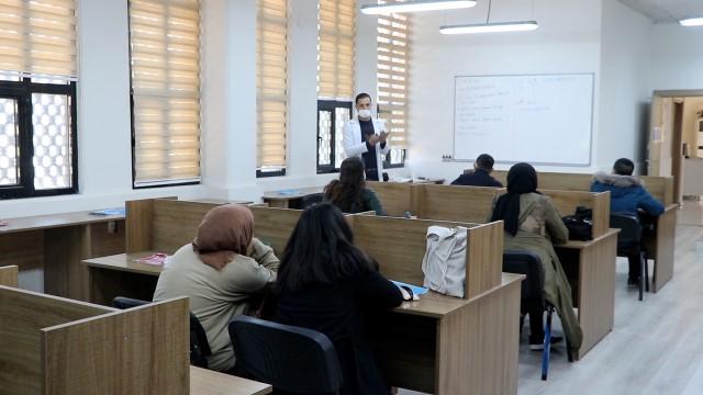 Karaköprü'de öğrencilere matematik desteği veriliyor (Videolu Haber)