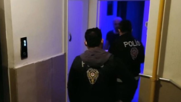 Şanlıurfa ve Adana'da yasadışı bahis operasyonu: 20 gözaltı (Videolu Haber)