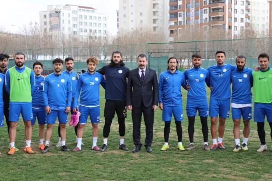 Baydilli'den Karaköprü Belediyespor'a moral zıyareti