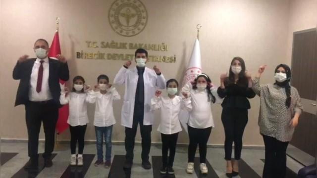 İlkokul öğrencileri pandemiyle ilgili kamu spotu hazırladı