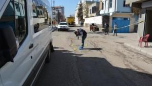 Siverek'te eve silahlı saldırı kamerada (Videolu Haber)