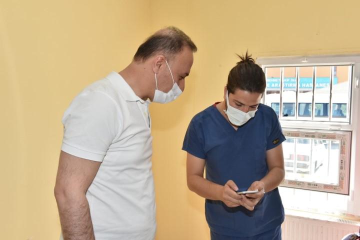 Vali Erin sağlık çalışanlarını tebrik etti