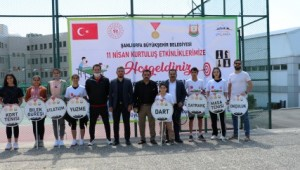 Urfa'nın kurtuluşuna özel, ödüllü kort tenisi turnuvası başladı