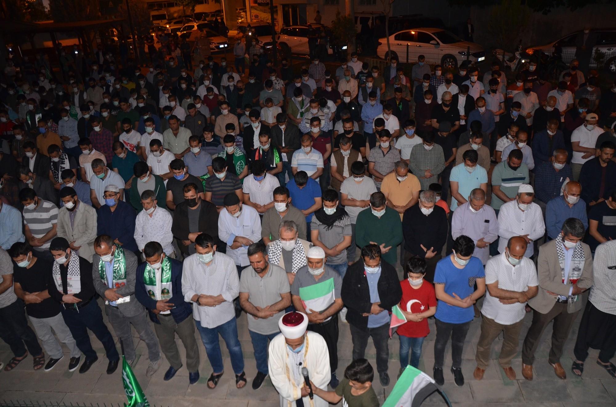 Siverek'te İsrail'in Mescid-i Aksa'ya yönelik saldırıları protesto edildi