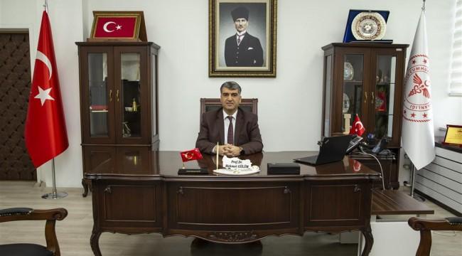 Prof.Dr.Gülüm urfa'ya Doç.Dr.Erkuş Manisa'ya atandı.